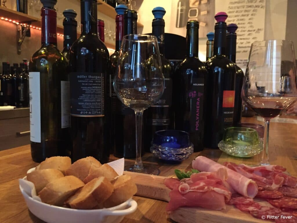 Wine O'Clock has delicious wines and Italian tapas to enjoy Prague