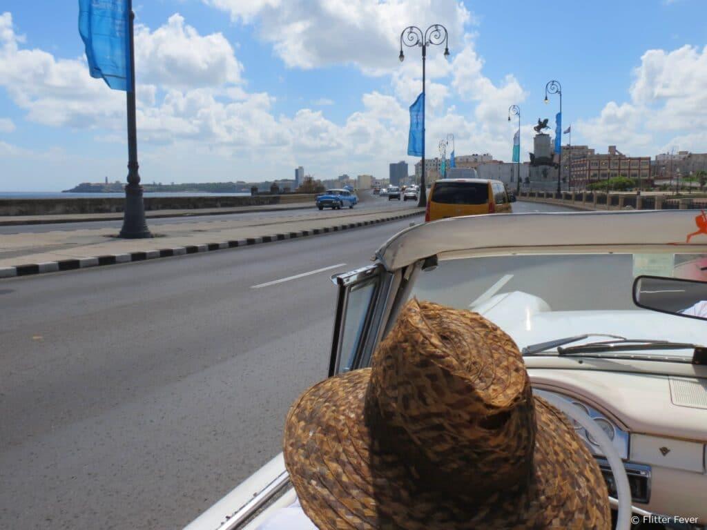 Malecon Havana oldtimer Cuba