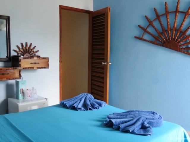 Blue room with balcony Casa Hostal Idael & Dania Matanzas Cuba