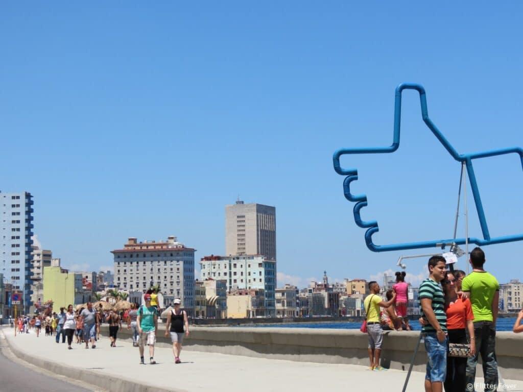 Malecon Havana Like Facebook