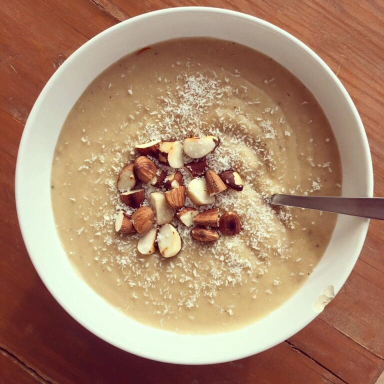 Rice almond porridge for breakfast (Retreat Yourself)