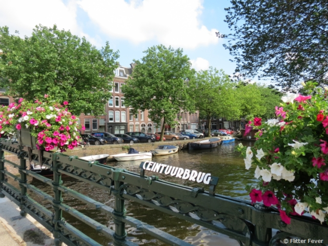 Ceintuurbaan & canal in Amsterdam