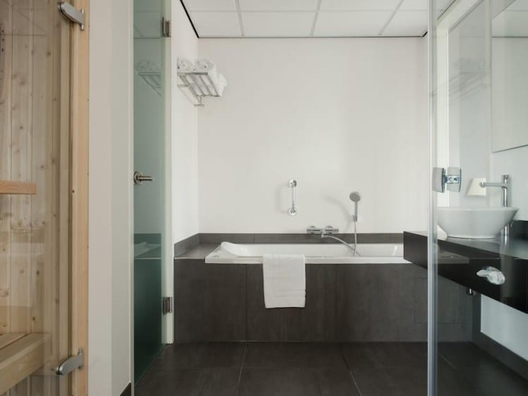 Bathroom Inntel Zaandam-Amsterdam