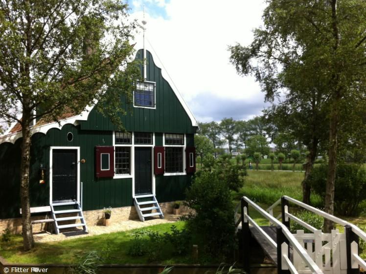 Traditional Dutch house @ Zaanse Schans, the Netherlands