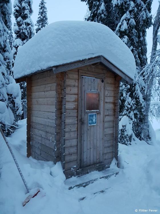 Toilet in the snow @ Rami's Huskies