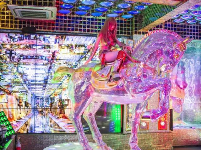 Robot Restaurant Tokyo horse