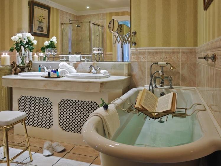 Hayfield Manor hotel in Cork bathroom