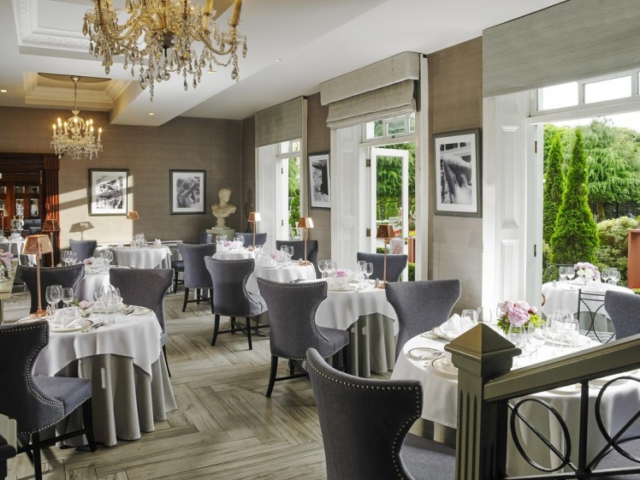 Hayfield Manor hotel breakfast and dining room