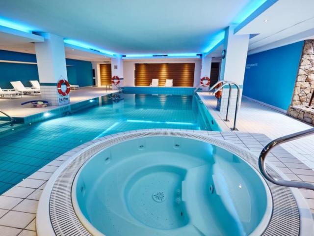 Novotel Krakow Centrum indoor pool