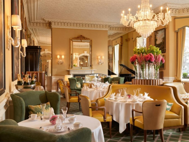 Breakfast room of The Shelbourne Dublin, A Renaissance Hotel