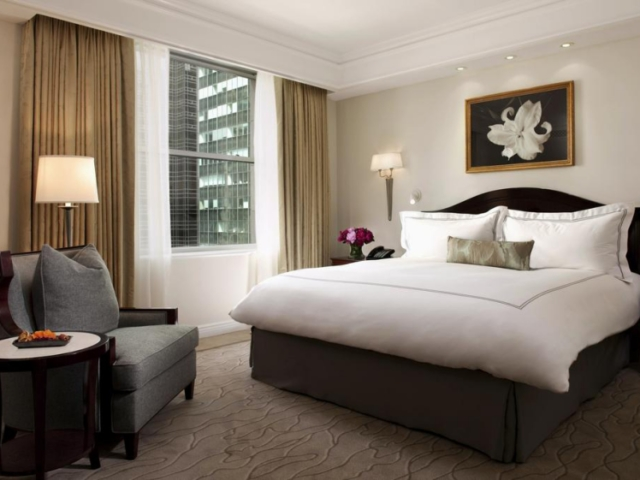 Deluxe King Suite at The Peninsula