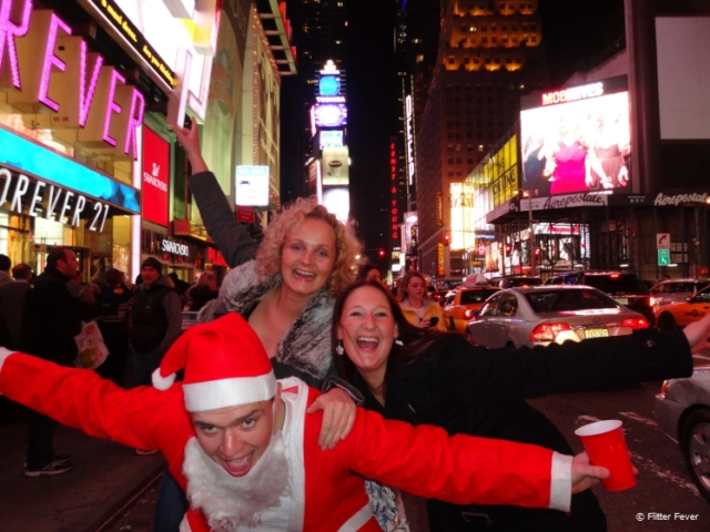 It is totally acceptable to walk around like Santa on Times Square