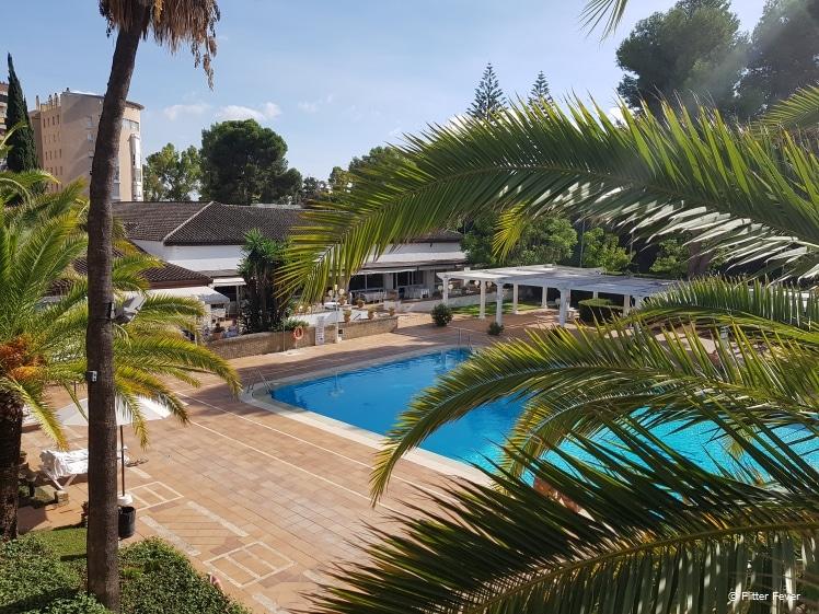 Zicht vanaf het balkon van Hotel Jerez & Spa
