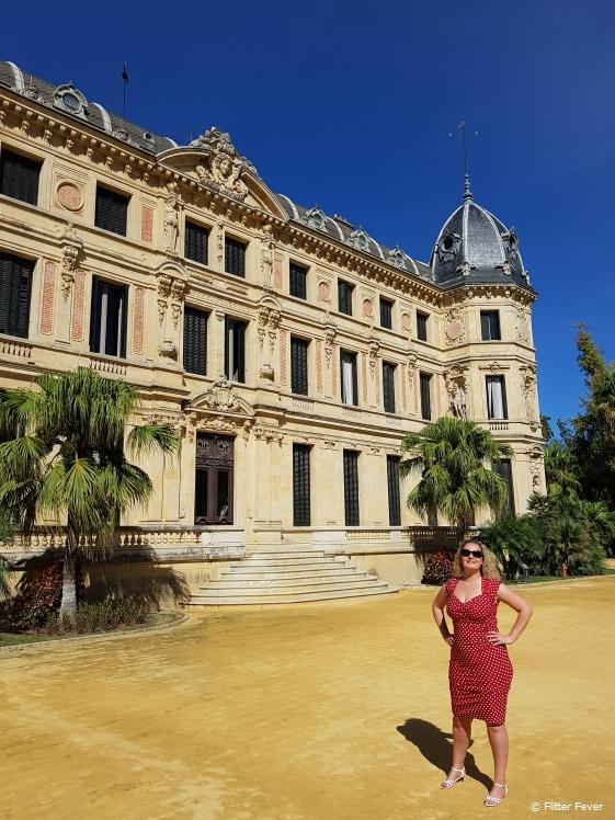 Right in front of Palacio Duque de Abrantes