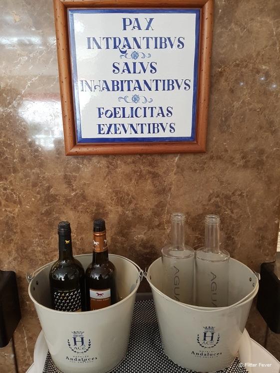 Sherry bij het inchecken in Hotel Jerez and Spa
