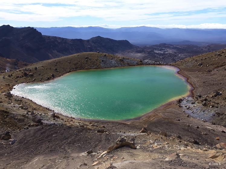 Tongariro Crossing volcanic lake