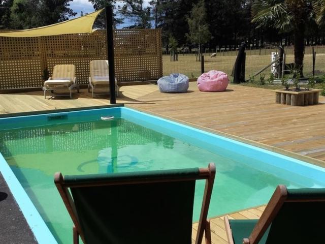 The Peppertree in Blenheim pool