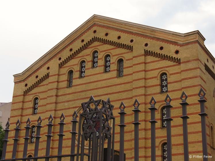 The Great or Central Synagogue Nagy Zsinagoga backside