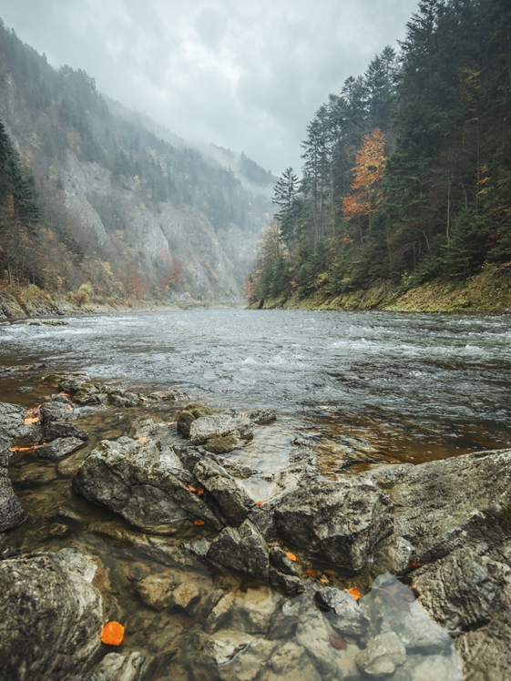 Červený Kláštor river gorge by Peter Oslanec outdoors Slovakia rafting