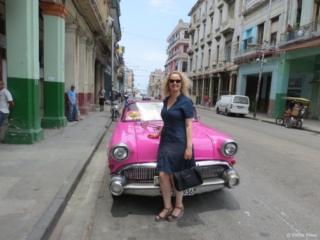 Loving this pink car in Havana Centro