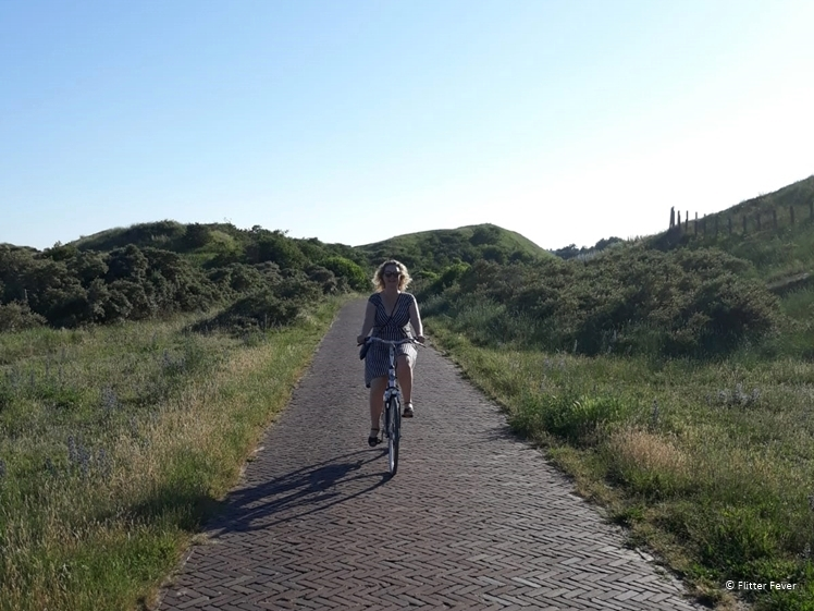 Explore the dunes at Egmond aan Zee by bicycle