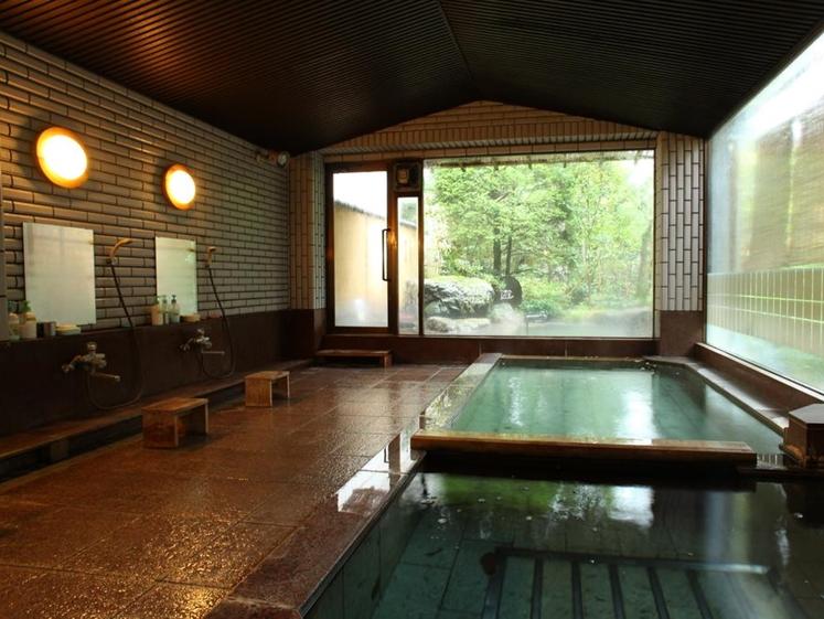 Indoor onsen space at Yudanaka Yumoto