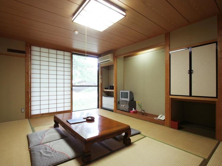 Japanese style room at Tokonamiso in Nagiso, Kiso Valley