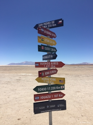 Direction signs Salinas Grandes