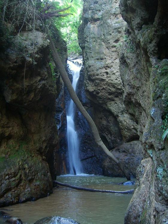 Pambok Waterfall Pai