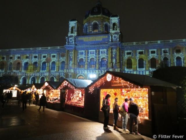Christmas Market in front of Kunsthistorische Museum Vienna