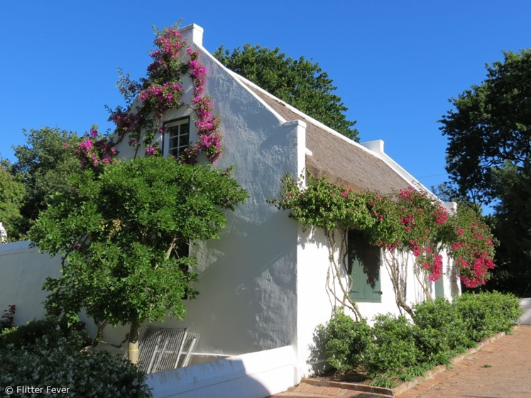 Picturesque little house in Stellenbosch (near Peter Falke)