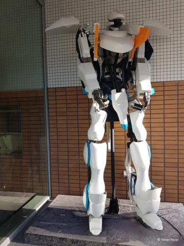 Huge robot at the entrance of Henn na Hotel Huis ten Bosch Japan