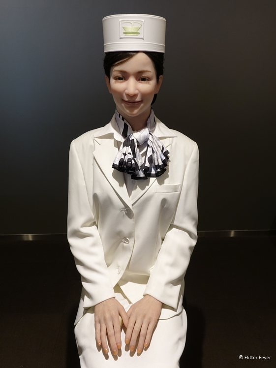 Receptionist Henn na robot hotel Japan