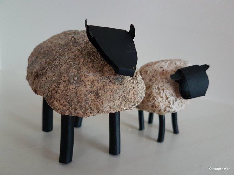 self made sheep statue Balloo