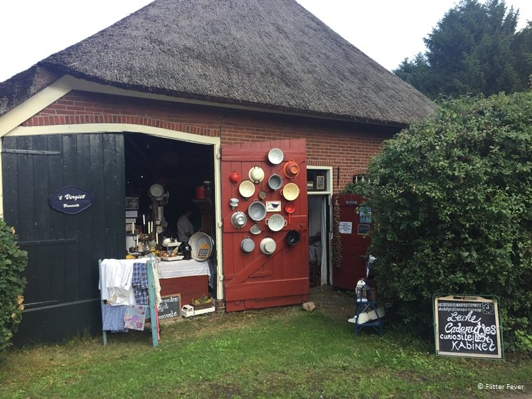 t Vergiet brocante shop in old farm Drenthe