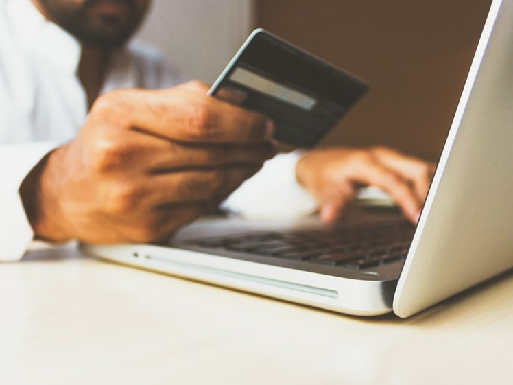 Pay flight tickets online with your credit card, especially ticket brokers