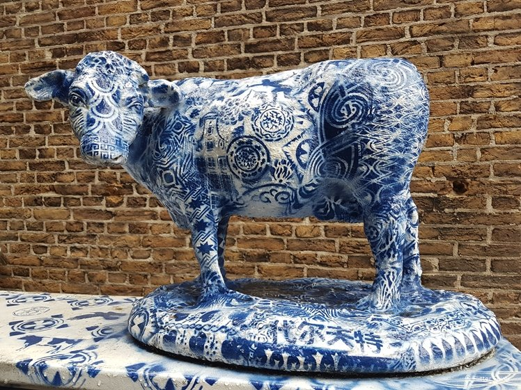 Delft Blue street art cow