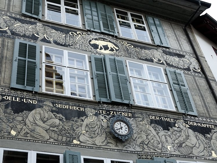 House facade with the golden wolf at Spalenberg 22 in Basel