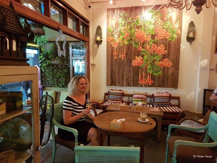 Madame Musur 2 opposite Nouvo City Hotel Bangkok