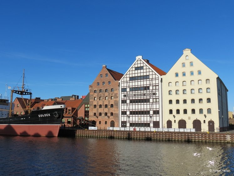 Merchant houses at the Motlawa River in Gdansk