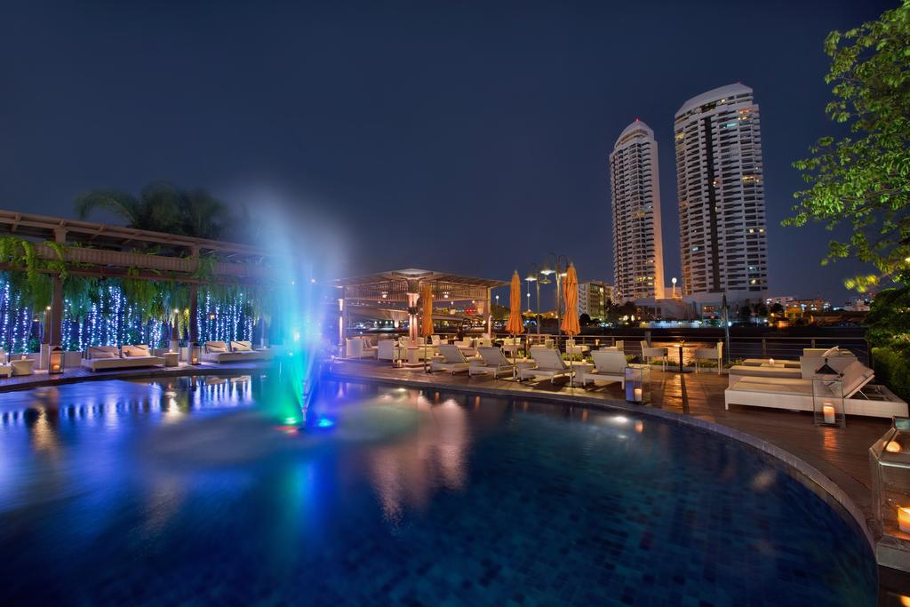 Riva Surya Bangkok hotel rooftop pool