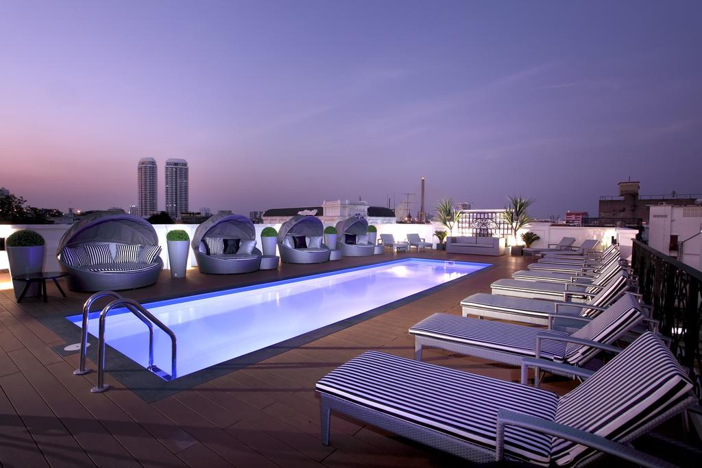 Villa De Khaosan by Chillax Bangkok hotel rooftop pool