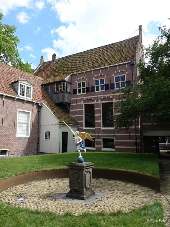 De binnenplaats van het binnenmuseum Zuiderzeemuseum  Enkhuizen