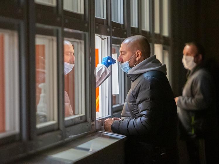 Nasal swab COVID PCR test Netherlands