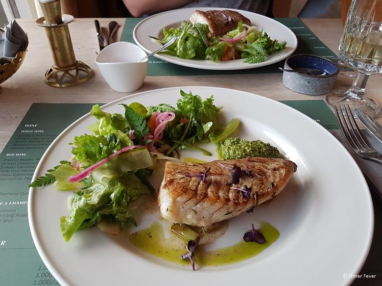 Vers gebakken vis bij Nordic Restaurant in Seydisfjördur Ijsland