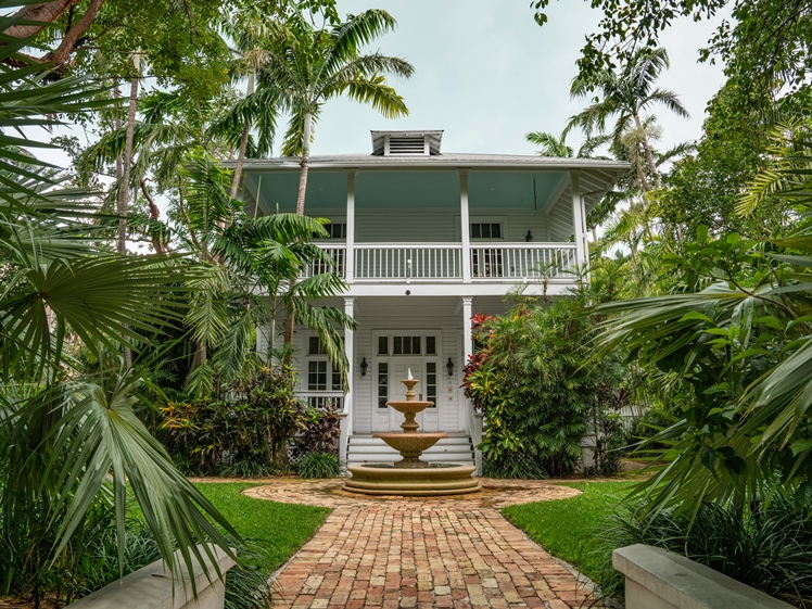 Beautiful house in Key West Florida round trip