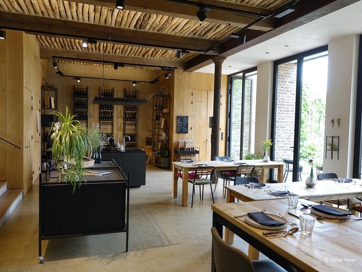 Wijnlokaal, wijnshop en ontbijtzaal van Domein Holset