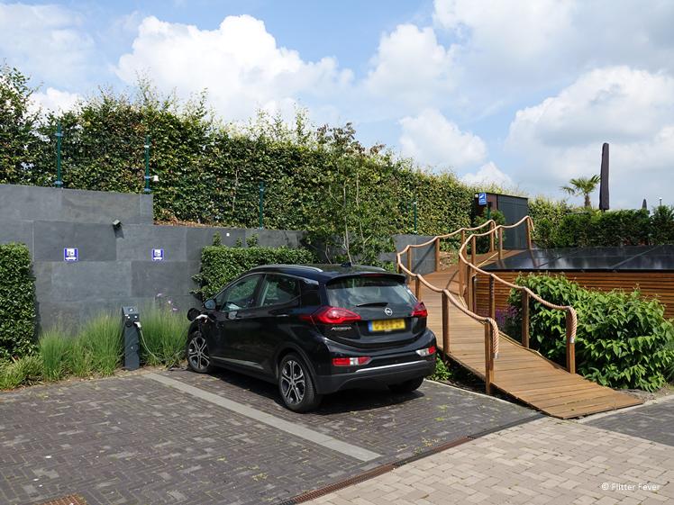 Electrische auto opladen bij Hotel Heuvelrijk Berg en Dal Groesbeek