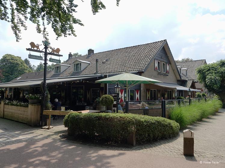 Het terras van Restaurant 't Zwaantje in Mook